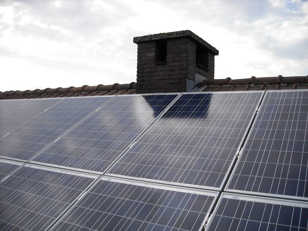 technology-roof-electricity-energy-green-energy-roofing-1066257